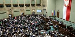 Sejm uchwalił ustawę. Wszyscy Polacy dostaną po kieszeni!