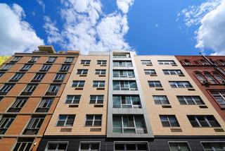 Rośnie zadłużenie wobec wspólnot i spółdzielni mieszkaniowych: Czynsz dłużej czeka na zapłatę, bo nie odcina drogi do domu