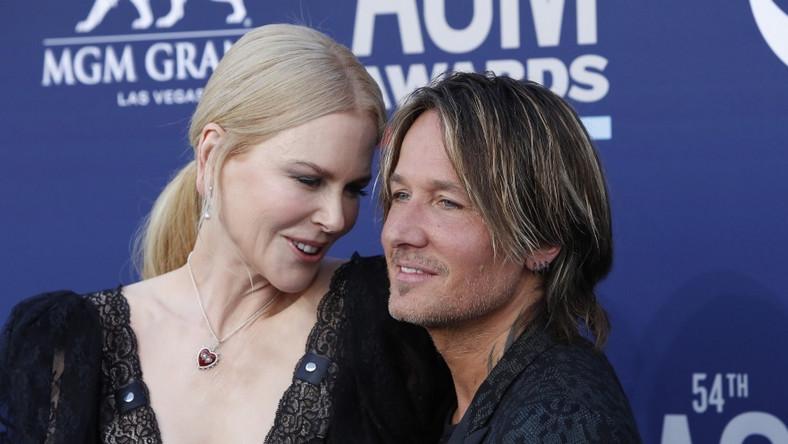 Wczoraj w nocy aktorka towarzyszyła mężowi podczas gali Country Music Awards...