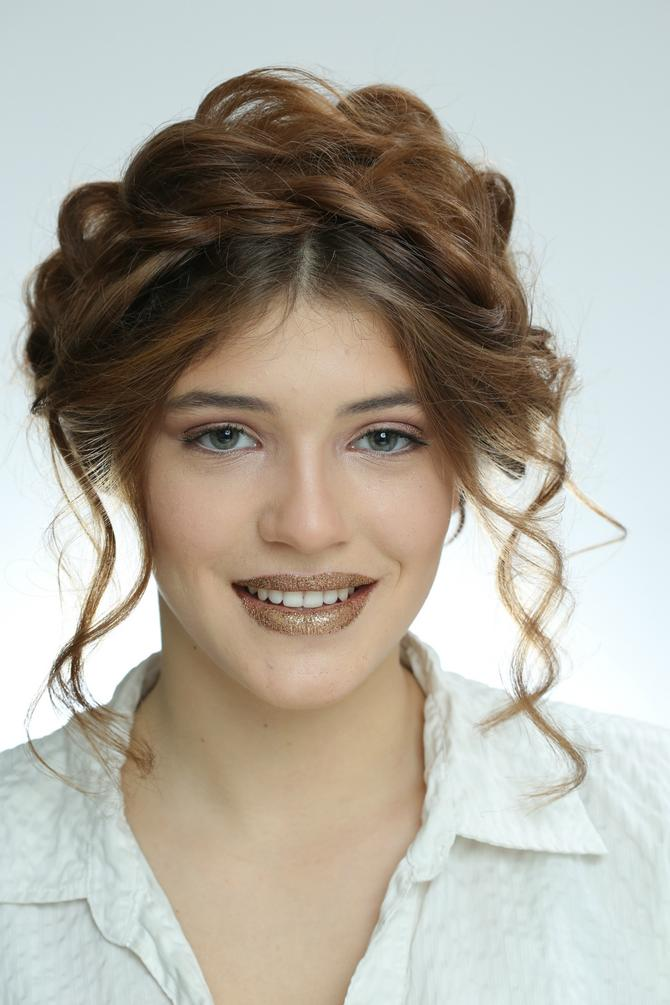 Kruna od kose je veliki hit koji obožavaju i holivudske lepotice
