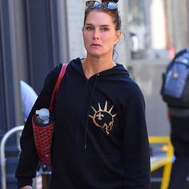 52-letnia Brooke Shields bez makijażu. Jak się prezentuje?
