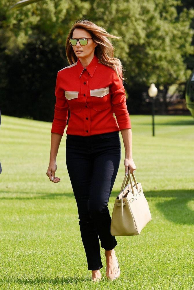 Sjajno kežual modno izdanje Melanije Tramp