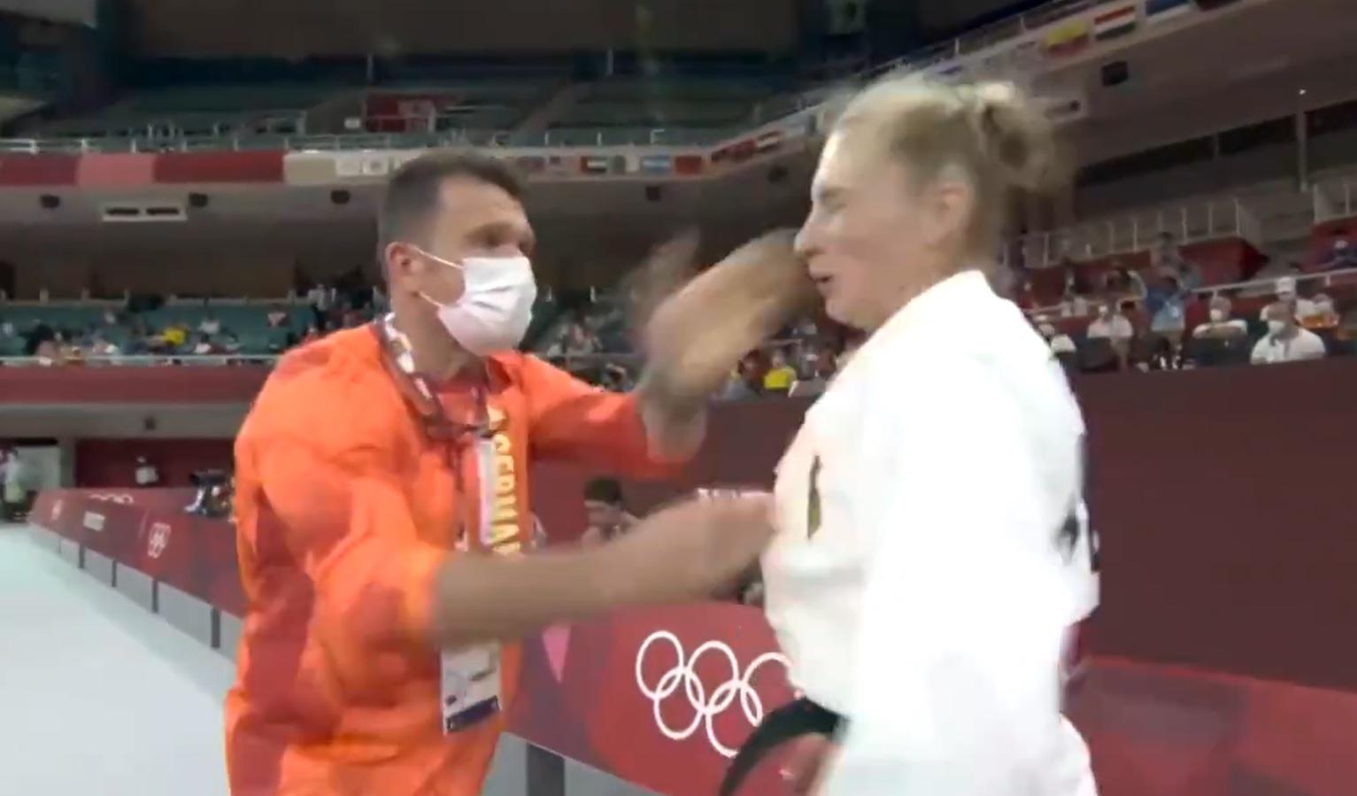 Snimak OLIMPIJKE koju trener šamara pre meča izazvala je bes: Martina je javno reagovala i objasnila šte se krije iza OVOG VIDEO-KLIPA