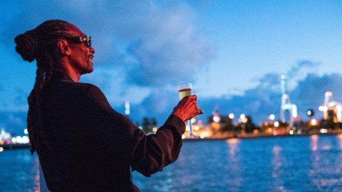 Snoop Dogg als Lingerie