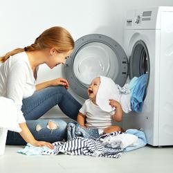 Dlaczego pranie w niższych temperaturach zapobiega mechaceniu oraz utracie koloru?