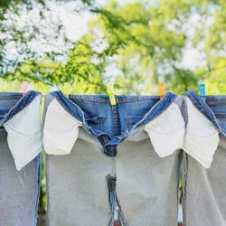 Które z poniższych elementów garderoby warto prać jak najrzadziej?