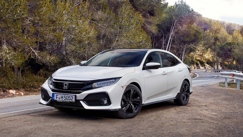 Honda Civic X (2016 - ) Hatchback Civic 1.8 Sport (Honda Connect+) aut wersja 5-drzwiowa, Benzynowy, Automatyczna skrzynia biegów, 1798cm3 - 142KM, 1372kg