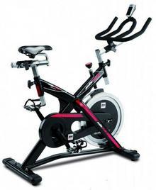 BH Fitness SB2.6h9173Indoor Bike, indo orcycling o wadze 22kg ożywienie, zakończeniami do trekkingu pedały SPD polyv-pasek na ramię,