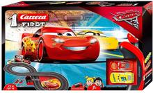 Carrera 1. First. Disney Cars 3, Auta