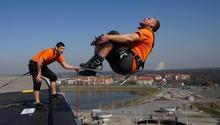Ekstremalny skok z dachu Wrocławskiego stadionu! Dream Jump ze Stadionu Wrocław TAAK_DJZDSW