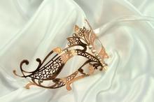 Kayso International Inc Złoty Metal filigranowe półbuty maska maska do gry 120012546461