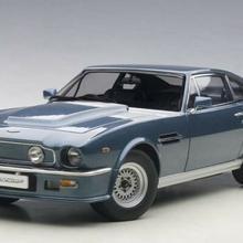 Autoart Aston Martin V8 Vantage 1985 chichester blue