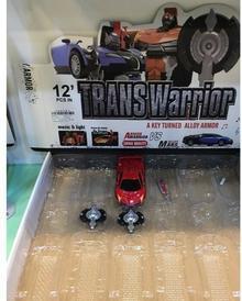 . Transformer auto sport metalowy ze światłem i dźwiękiem