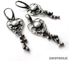 perły w srebrnych kaskadach