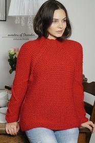 Czerwony sweter w romby