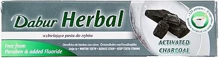 Dabur Wybielająca pasta do zębów z węglem aktywnym - Herbal Activated Charocal Wybielająca pasta do zębów z węglem aktywnym - Herbal Activated Charocal