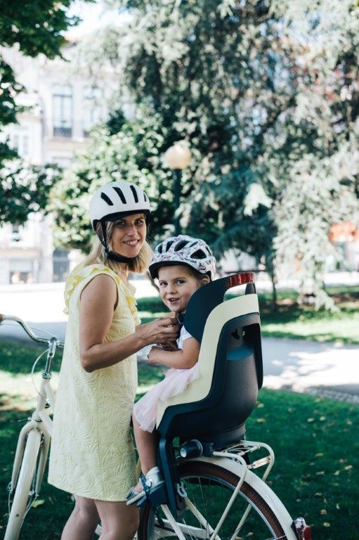 Bobike Tylny fotelik rowerowy GO różowy 564933