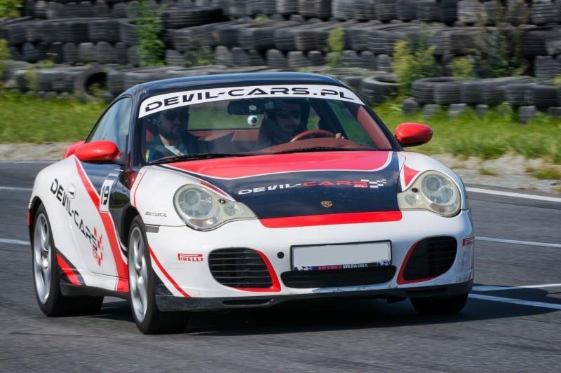 go racing Jazda Porsche 911 Carrera : Ilość okrążeń - 1, Tor - Tor Olsztyn, Usiądziesz jako - Kierowca