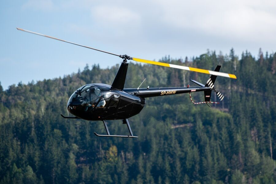 Lot zapoznawczy helikopterem Karpacz 15 minut LHKI