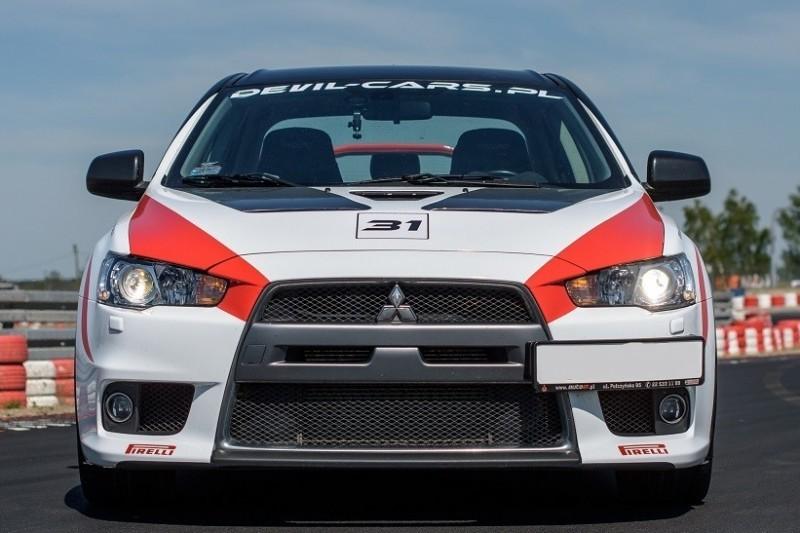go racing BMW M Power vs Mitsubishi Lancer EVO X : Ilość okrążeń - 6, Tor - Tor Olsztyn, Usiądziesz jako - Kierowca