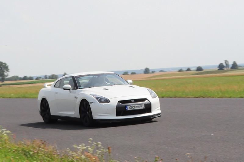 go racing Jazda Nissan GT-R : Ilość okrążeń - 3, Tor - Tor Białystok, Usiądziesz jako - Kierowca
