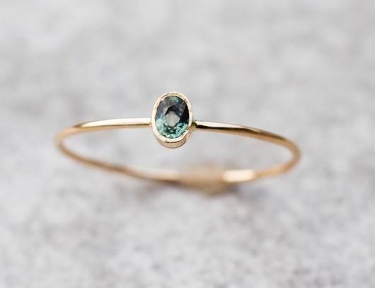 ARPELC Zielony szafir, delikatny pierścionek złoty