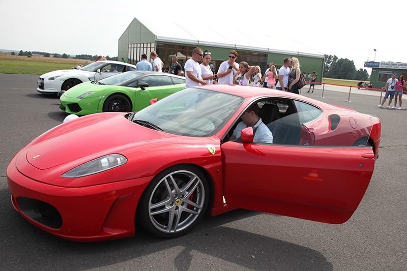 go racing Jazda Ferrari F430 : Ilość okrążeń - 1, Tor - Tor Silesia Ring karting - Kamień Śląski , Usiądziesz jako - Kierowca