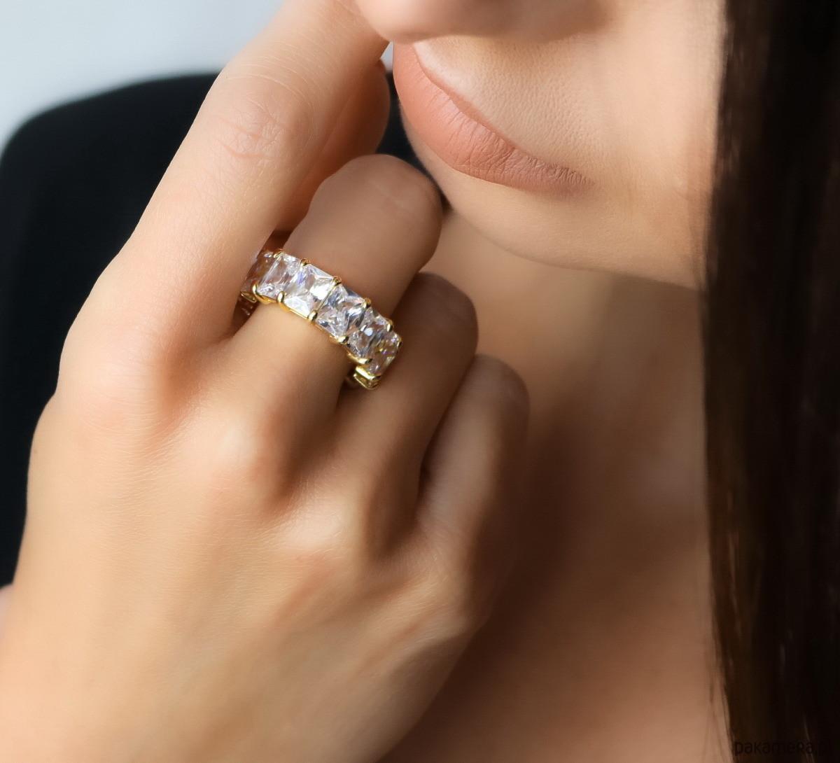 Skagen Złoty pierścionek z cyrkoniami bagietami