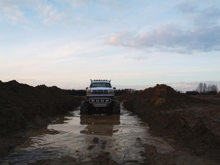 Jazda Monster Truckiem Warszawa 2 osoby 30 minut TAAK_JMTW2O30
