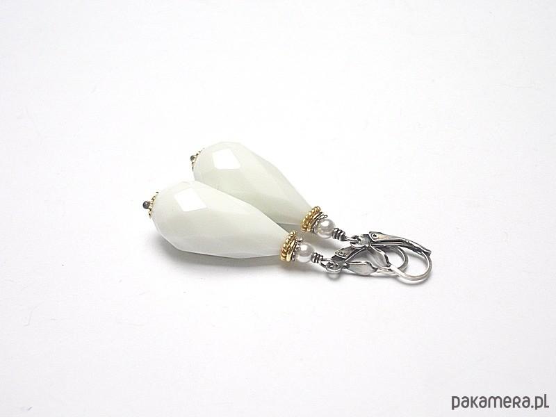 Białe krople /agat/vol. 3 - kolczyki