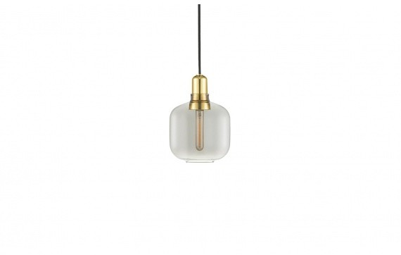 Normann Copenhagen Lampa wisząca Amp 502164 przydymiona oprawa w stylu nowoczesnym 502164