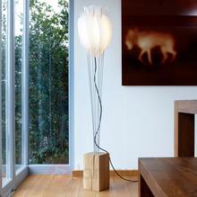 Domus Dekoracyjna lampa stojąca Tulip dąb naturalny