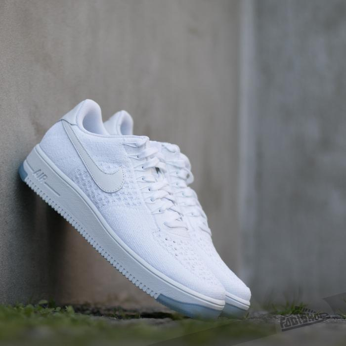 nike air force 1 flyknit biale