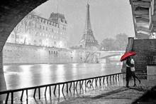 Paryż Wieża Eiffel Pocałunek - Plakat