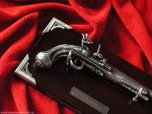 Hiszpania PISTOLET GEORGA WASHINGTONA Z 1778 R + TABLO - MINIATURA