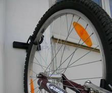 Wieszak rowerowy za koło