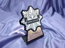 GRAWERNIA.PL Statuetka z odznaką Policji - model DTA7 - wysokość 18 cm