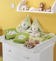 Mamo-Tato Kocyk Polarowy piacy Miś lub Miś z serduszkiem w zieleni