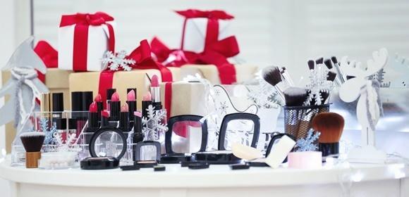 Zestawy kosmetyków damskich