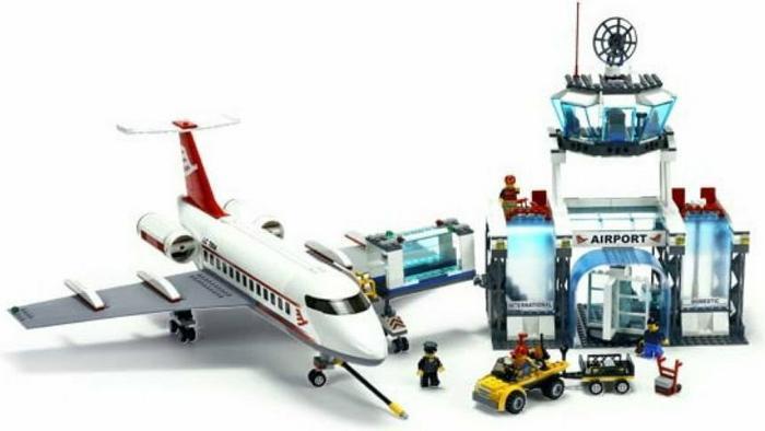 LEGO CITY Lotnisko 7894