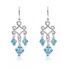 e-shop Wiszące kolczyki z niebieskimi koralikami ze szkła, srebro 925