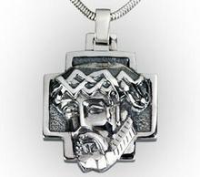 Tyfanit Krzyżyk srebrny z Jezusem KR8