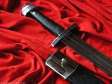 Płatnerze hiszpańscy Anglosaski średniowieczny miecz stalowy z pochwą