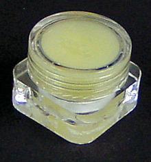 Ozonowana oliwka- na trądzik i nie tylko, małe opakowanie