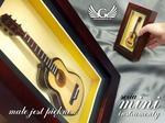 GRAWERNIA.PL Mini gitara klasyczna w ramce - model MGT9