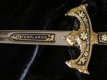 Płatnerze hiszpańscy MIECZ TEMPLARIUSZY STAL DAMASCEŃSKA MINIATURA