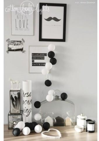 Cotton Ball Lights Kolorowe kulki kompozycja - Black & White