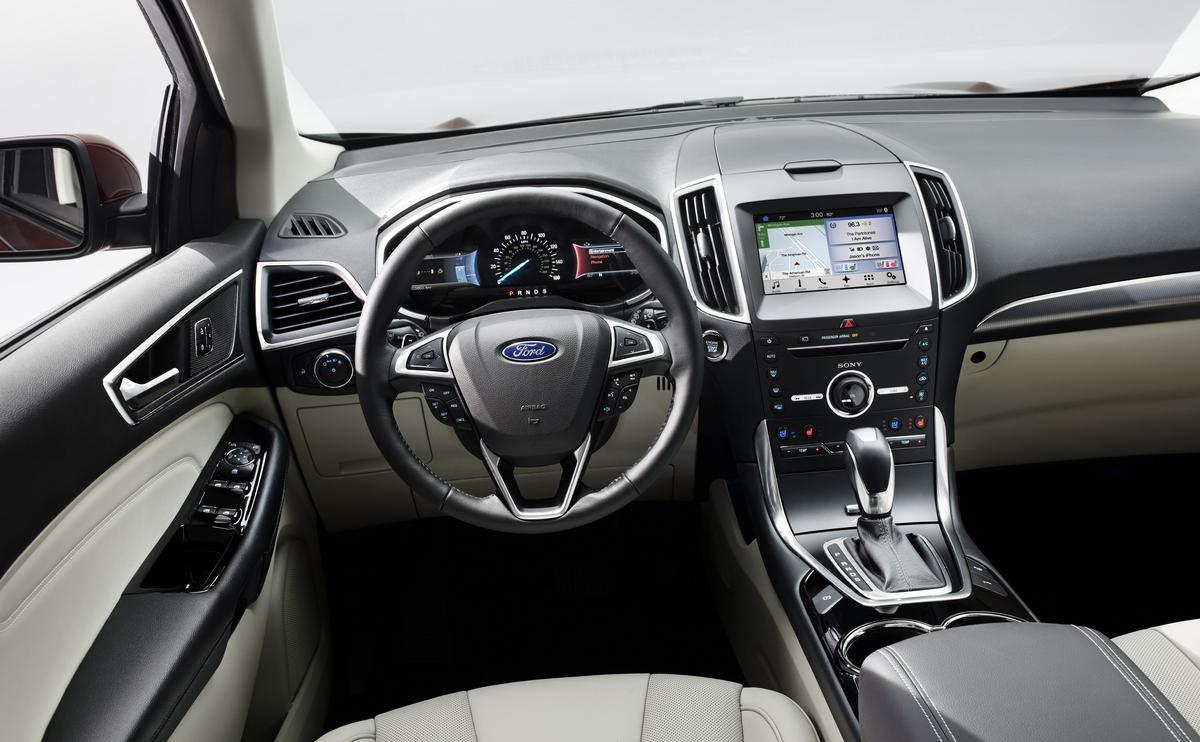 Auto miesiąca Ford Edge - wnętrze jest najważniejsze