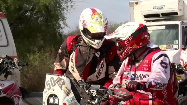 Rajd Dakar: Rafał Sonik uratował lidera