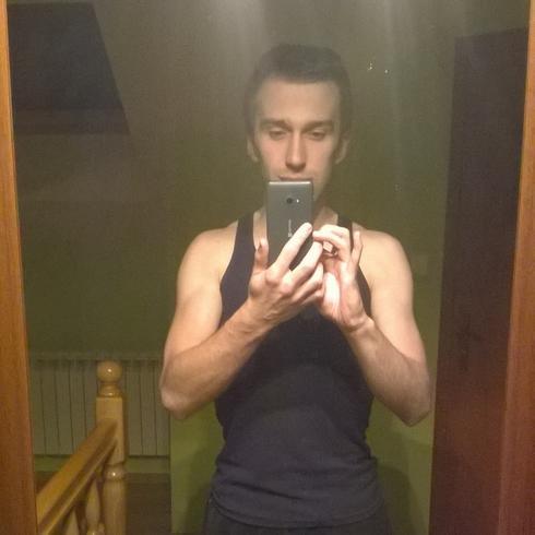 marek9527 Mężczyzna Pułtusk - 40 znaków to za mało  :)